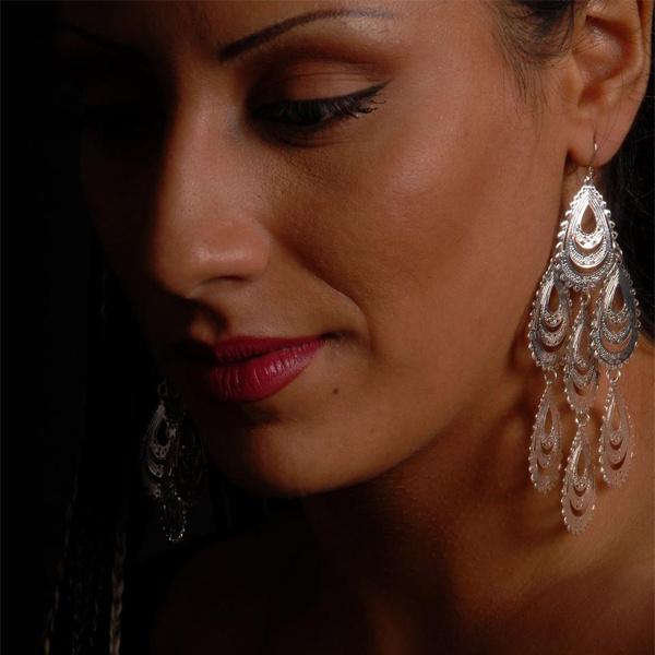 Sara Naeini - Jadoo (Ft Reza Rohani)