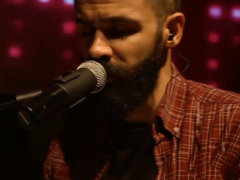 Sirvan Khosravi - 'Doost Daram Zendegiro (Live)'