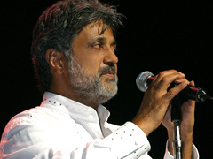 Dariush - 'Cheshme Man (Live At Gibson Amphitheatre)'